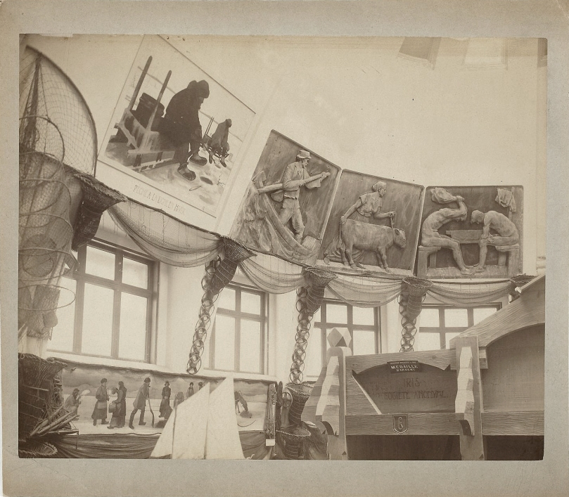 Interior of the Finnish pavilion at the Paris World Fair 1900. The pavilion was designed by the young Finnish architects Armas Lindgren, Herman Gesellius and Eliel Saarinen. Works on display in the pavilion were commissioned from the most prominent Finnish artists. Today many of them belong to the Finnish National Gallery art collection. Paris was the meeting point for artists and revivalist ideas all over Europe. Photo: Archive Collections / Finnish National Gallery.