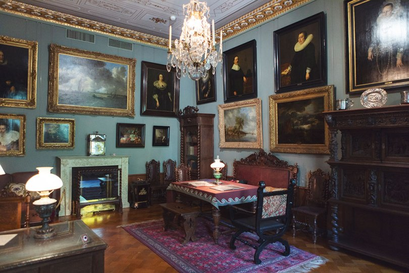 Paul Sinebrychoff's study in the house museum at the Sinebrychoff Art Museum, Helsinki Photo: Finnish National Gallery / Sonja Hyytiäinen